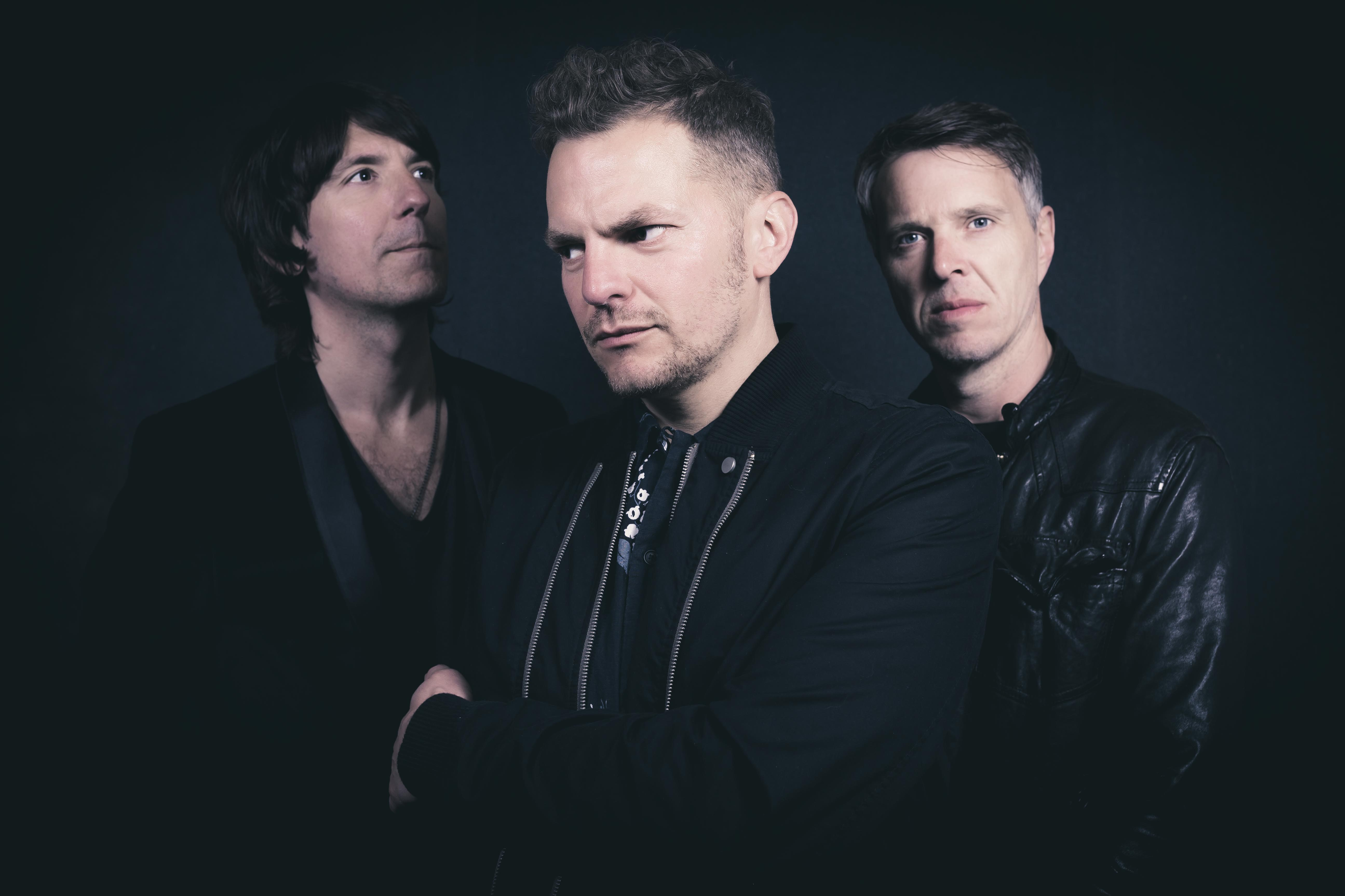 Dance your way into the Bank holiday weekend with Toploader!